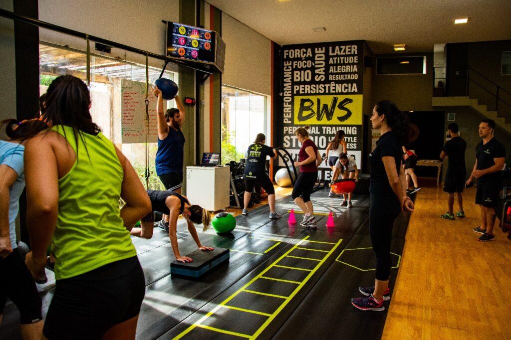 Alunos treinando no BWS, que é melhor opção e academia em São José do Rio Preto